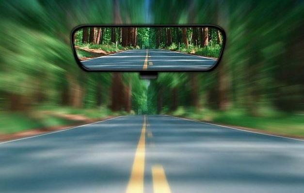 汽车后视镜这样用最安全 看看你调整对了吗