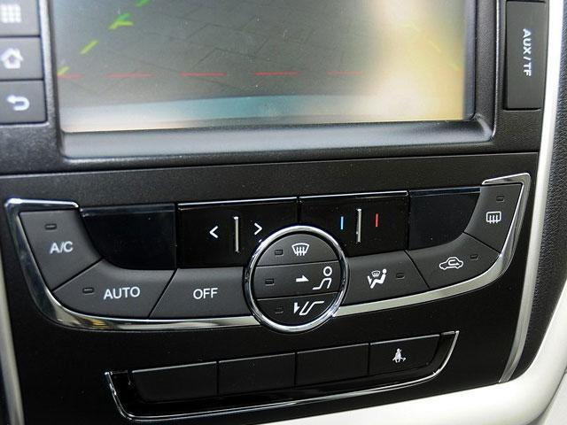 新帝豪提供自动空调系统-悦翔V7对比新帝豪 自主高品质新生代大比拼高清图片