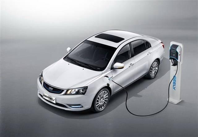 吉利首款插电式混动 帝豪PHEV预售13-15万