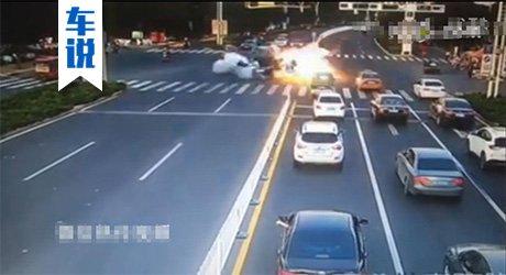 车说第137期:路虎爆炸因为定时炸弹?