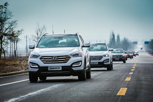 21.98万起,全新胜达新增三款2.0T车型重装上市