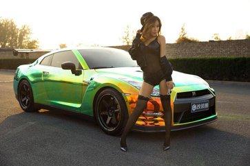 """黑丝赛车女郎:教你GTR的打开方式"""""""