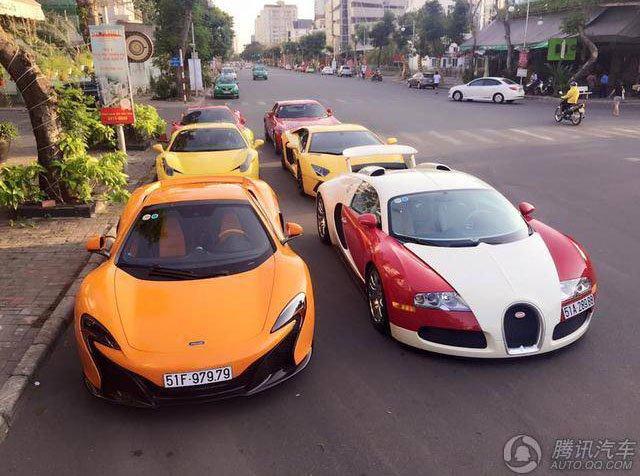 越南唯一的千亿布加迪威龙 带一群超跑出街
