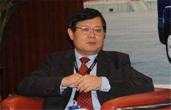 东风汽车受益重卡超常规暴涨 李祥平任执行副总