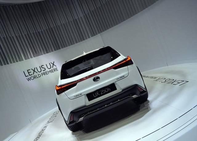 雷克萨斯CT200后继有人 UX成品牌入门新选择