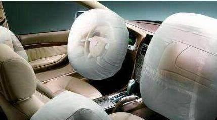 汽车上有4个隐藏功能 很多车主开了几年都不知道