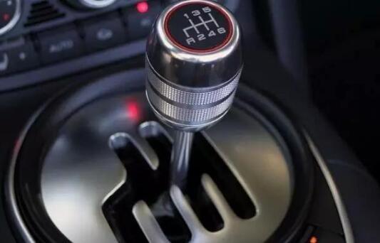人生第一辆车!该买手动挡还是自动挡?