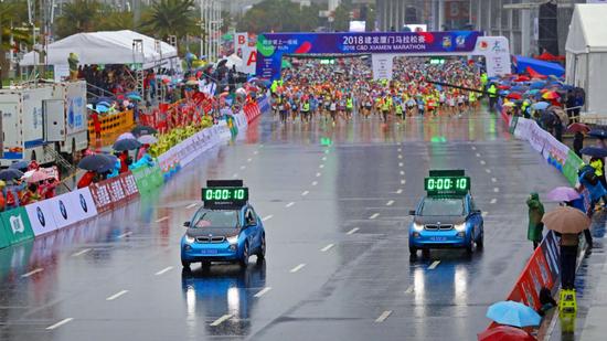 宝马作为官方合作伙伴领跑2018厦门马拉松赛