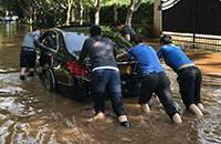 昆明720暴雨与你一起捞车的是谁?