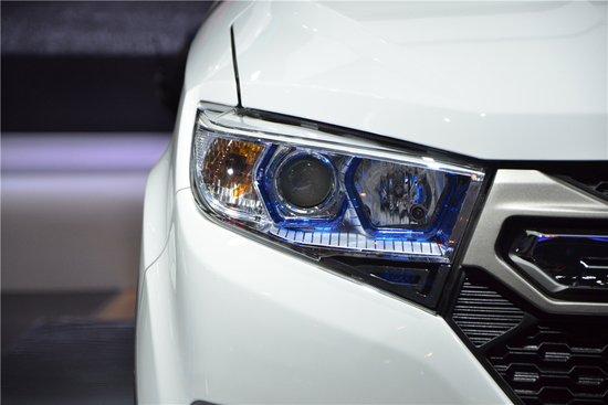 力帆全新7座SUV迈威 亮相昆明国际车展