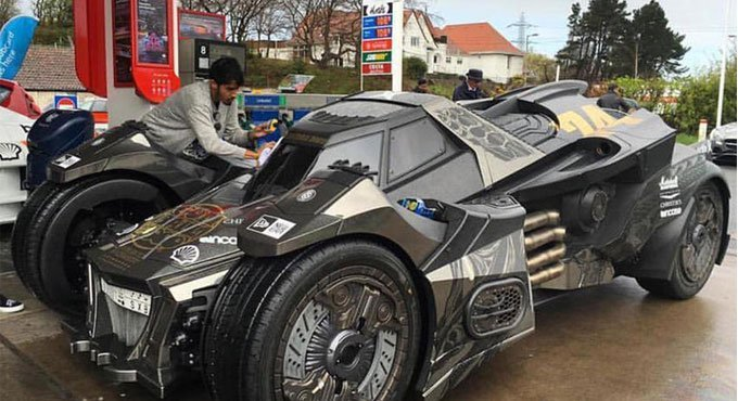 这车一个亿买不来 蝙蝠车2.0铜锤铁臂