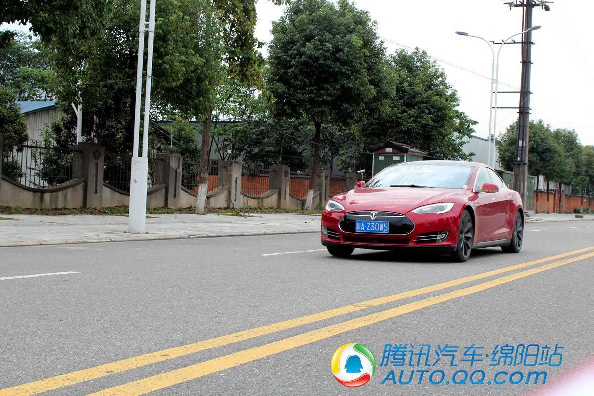 【图解新车】特斯拉Model S把科技驾驭在手中