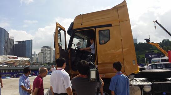 一部好卡车  乘龙H7亮相东盟博览会