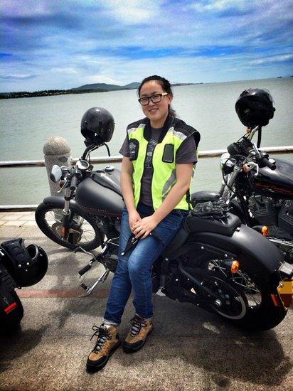 硬汉家族的女骑手--哈雷车主访谈_频道-青岛