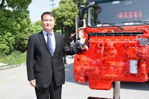 东风中卡D12全球首发,上市劲销4000辆
