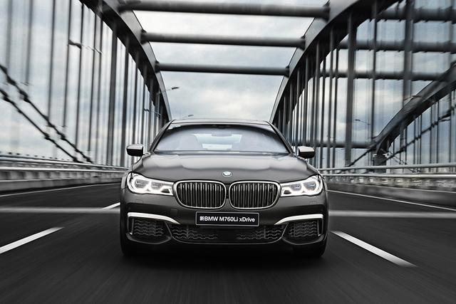 宝马与战马谁更有乐趣 全新BMW 7系马术体验日
