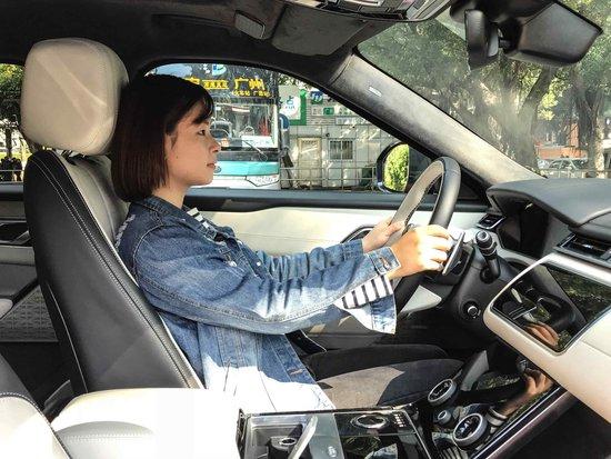 集科技感与豪华感于一身-车主试驾揽胜星脉