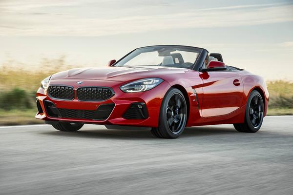 BMW全新设计语言全新一代BMW Z4敞篷跑车亮相圆石滩老爷车展