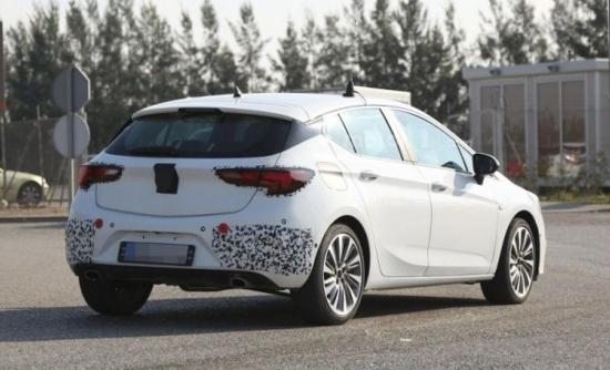 新一代雅特(国内版为别克威朗)刚在今年的法兰克福车展上发布,而gsi图片