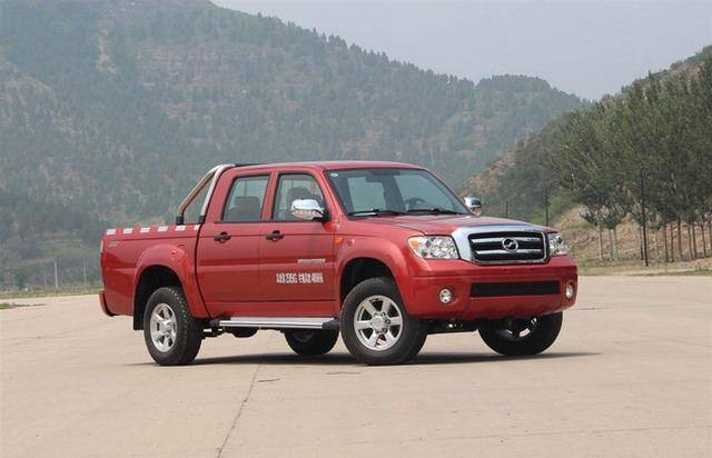 新款威虎柴油版上市 售价7.98-8.58万元