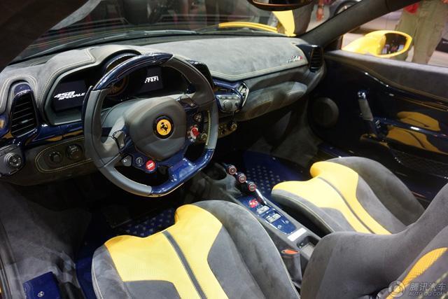 法拉利458 speciale aperta亮相巴黎车展高清图片