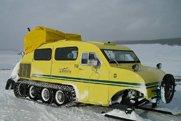 不怕大雪封门 汽车装坦克履带无敌了