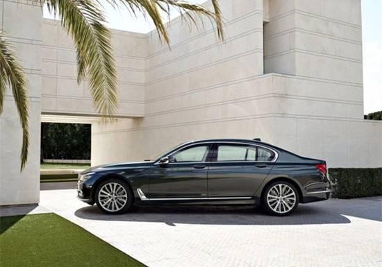 【新车上市】当全新BMW 7系邂逅花艺风情