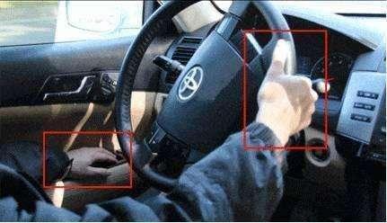 平时你是怎么握方向盘?敢这么握事故率翻一倍