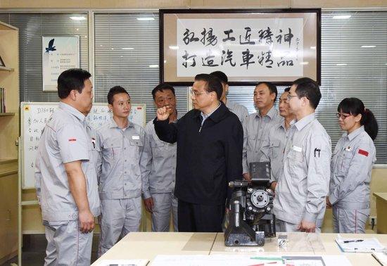 总理手中的中国红东风天龙旗舰