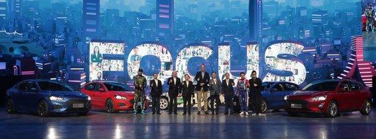 驾乘体验全面进化  再树中级车新标杆 , 10.88万元起  新一代福克斯精彩上市