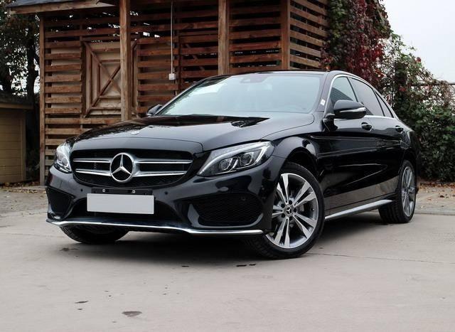 奔驰C级成就特别版正式上市 售35.38万