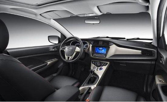 颜值开道 品质致胜 5万元级高品质家轿新海马M3