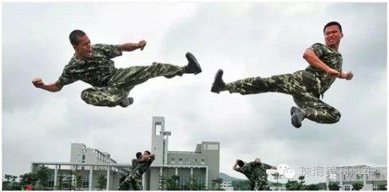兵哥哥,老班长,老首长,老战友,只有穿过解放鞋,只有穿过迷彩,只有经历