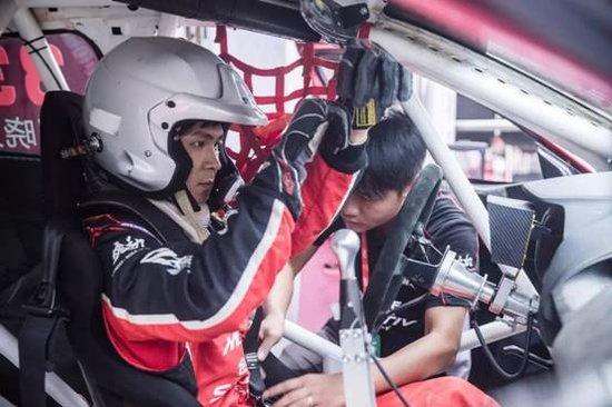 【珠海新通达】艰难周末稳定完赛锐思车队完成CTCC揭幕站首秀