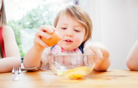 帮助宝宝告别尿床的饮食调养法