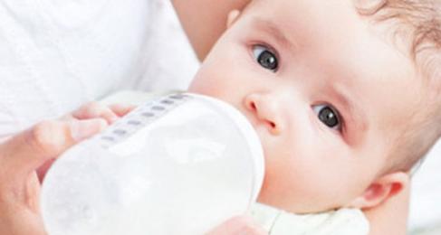 宝宝不爱吃奶瓶?你可以这样做