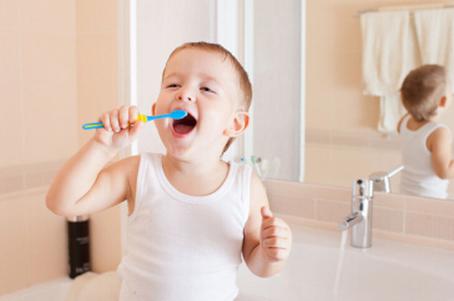 5大高招 帮宝宝解决刷牙难题!