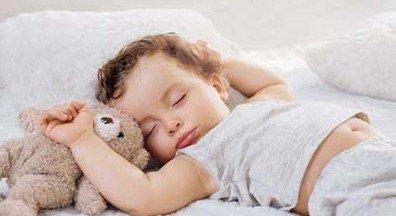 婴儿睡觉姿势像青蛙正常吗