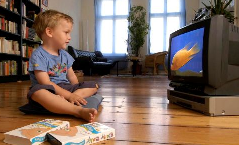 如何引导宝宝合理看电视?