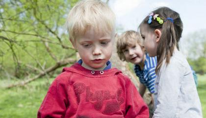 如何打开孤僻小孩儿的社交之窗