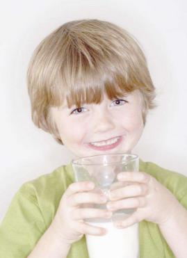 """宝宝正确饮牛奶的""""五个注意"""""""