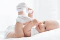 宝宝晚上睡觉踢被子的根本原因