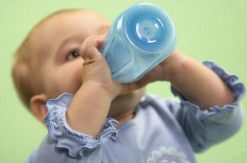 新生儿人工喂养注意 二宜四忌