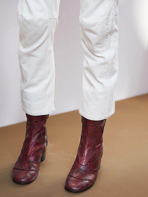 【衣帽间】请不要说你腿短穿不了粗跟短靴