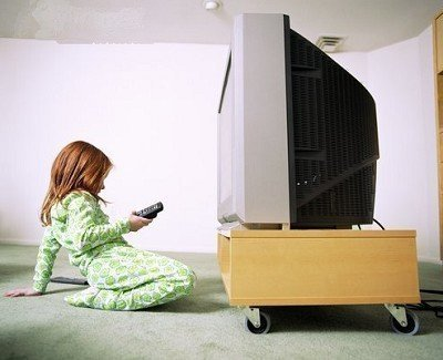 """学龄前儿童看电视""""十禁忌"""""""