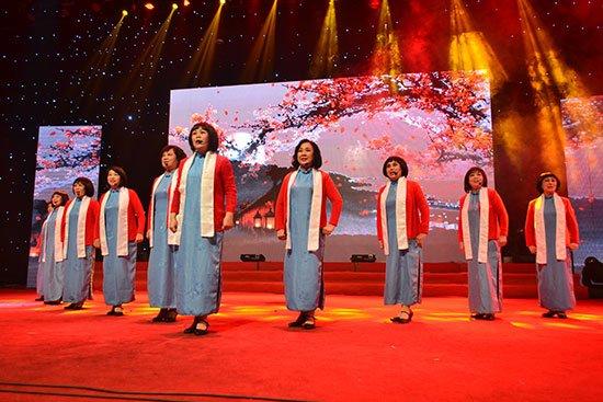 葫芦丝红梅赞曲谱-戏曲演艺《红梅赞》-2014隆基泰和全国社区文化节汇演盛大启幕