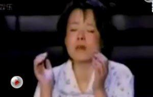 视频:龚琳娜再唱神曲 着睡衣演绎《梦中忐忑》