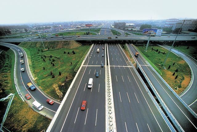 小客车免费通行的政策,该段时期内会影响500公里范围内的出行结