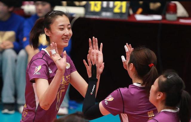 李盈莹21分天津完胜北京  主客场双杀获第8胜