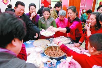 两场社区饺子宴 温暖邻里聚人心